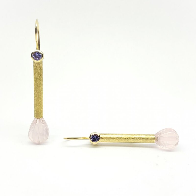 Boucles d'oreilles en or jaune 18kt, quartz rose tanzanite.
